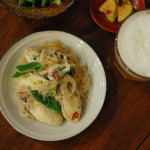 牡蠣と春雨の炒めもの、わかめと卵のスープ献立。