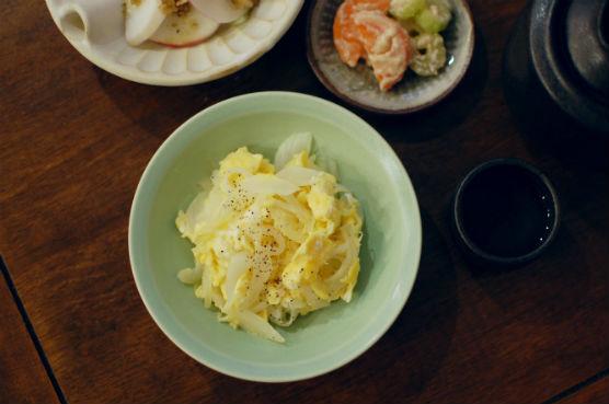 新玉ねぎと卵の炒めもの