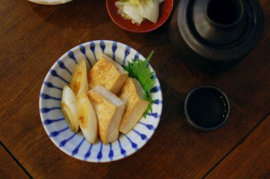 煎り焼き豆腐、春菊の酒粕味噌汁献立