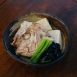 鯛あらと豆腐のしょうが蒸し、紅芯大根サラダ献立。