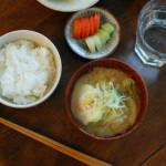 休肝日ごはん 味噌ラーメン的野菜味噌汁献立。