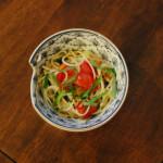 休肝日ごはん トマトと大葉のオイルパスタ献立。