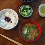 休肝日ごはん きのこの味噌汁、おろし納豆献立。