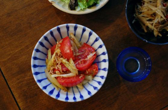 トマトとエシャロットの炒めもの献立