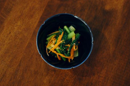 小松菜とにんじんのごま酢和え