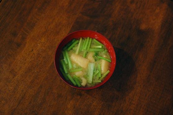 かぶの葉の味噌汁