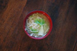えのきとキャベツの味噌汁