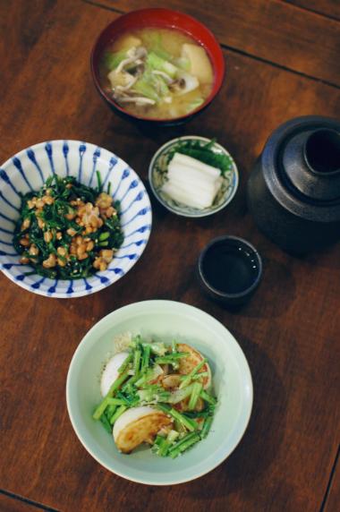 焼きかぶ、春菊納豆献立。