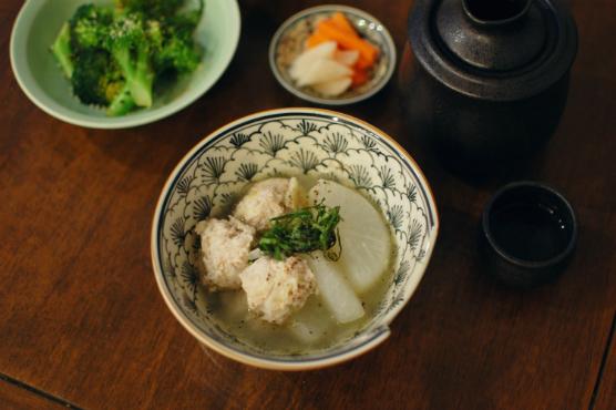 鶏団子と大根のスープ煮