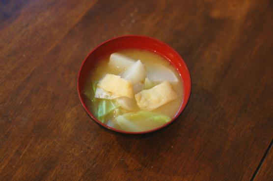 かぶとキャベツの味噌汁