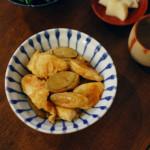 鶏むね肉とごぼうの黒酢炒め、ほうれん草のからし和え献立。