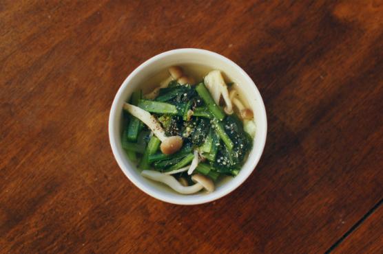 小松菜としめじのスープ