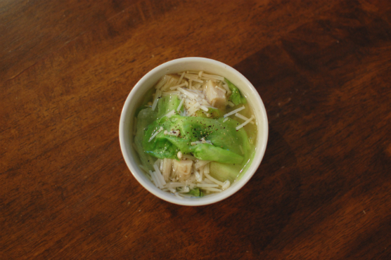 レタスとえのきのスープ