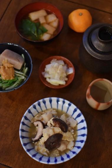 きのこの卵とじ、こんにゃくと水菜のゆず味噌和え献立