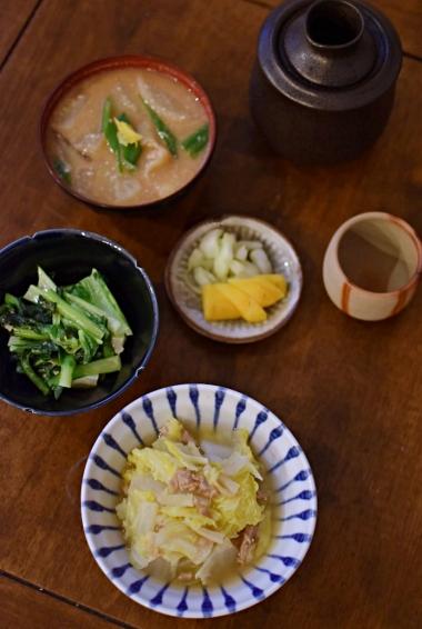 かぶの酒粕味噌汁、白菜とツナの煮もの献立