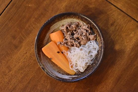 牛肉とにんじんの塩煮