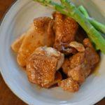 鶏もも肉のソース焼き、タアサイのスープ献立。