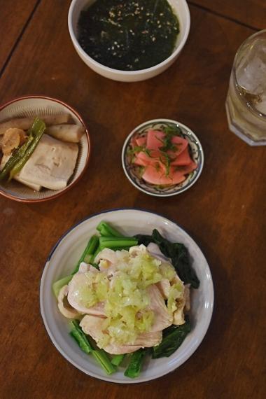 蒸し鶏のねぎソース、豆腐とごぼうの煮もの献立。