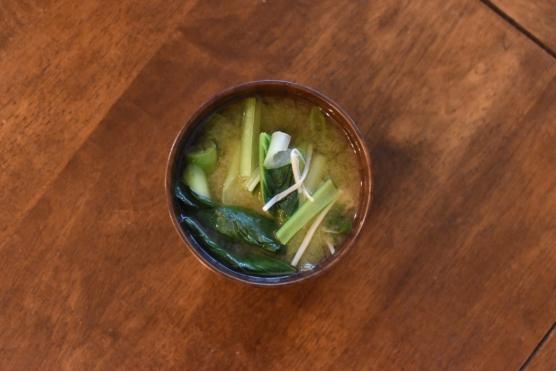 小松菜とねぎの味噌汁